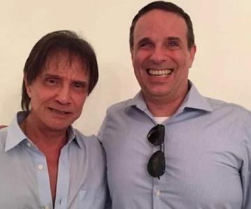 Roberto Carlos agradece carinho dos fãs após morte de Dudu Braga