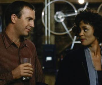 'O Guarda-Costa', estrelado por Whitney Houston, ganhará remake